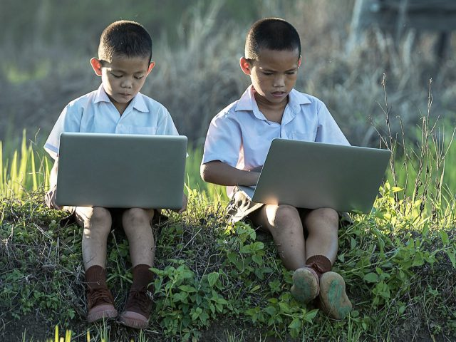 Causes of Digital Eye Strain in Children and Teens and How to Prevent It
